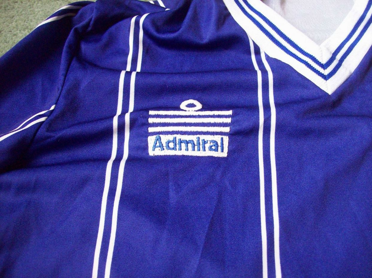 Global classic football shirts 1983 leicester city for Classic new jersey house music
