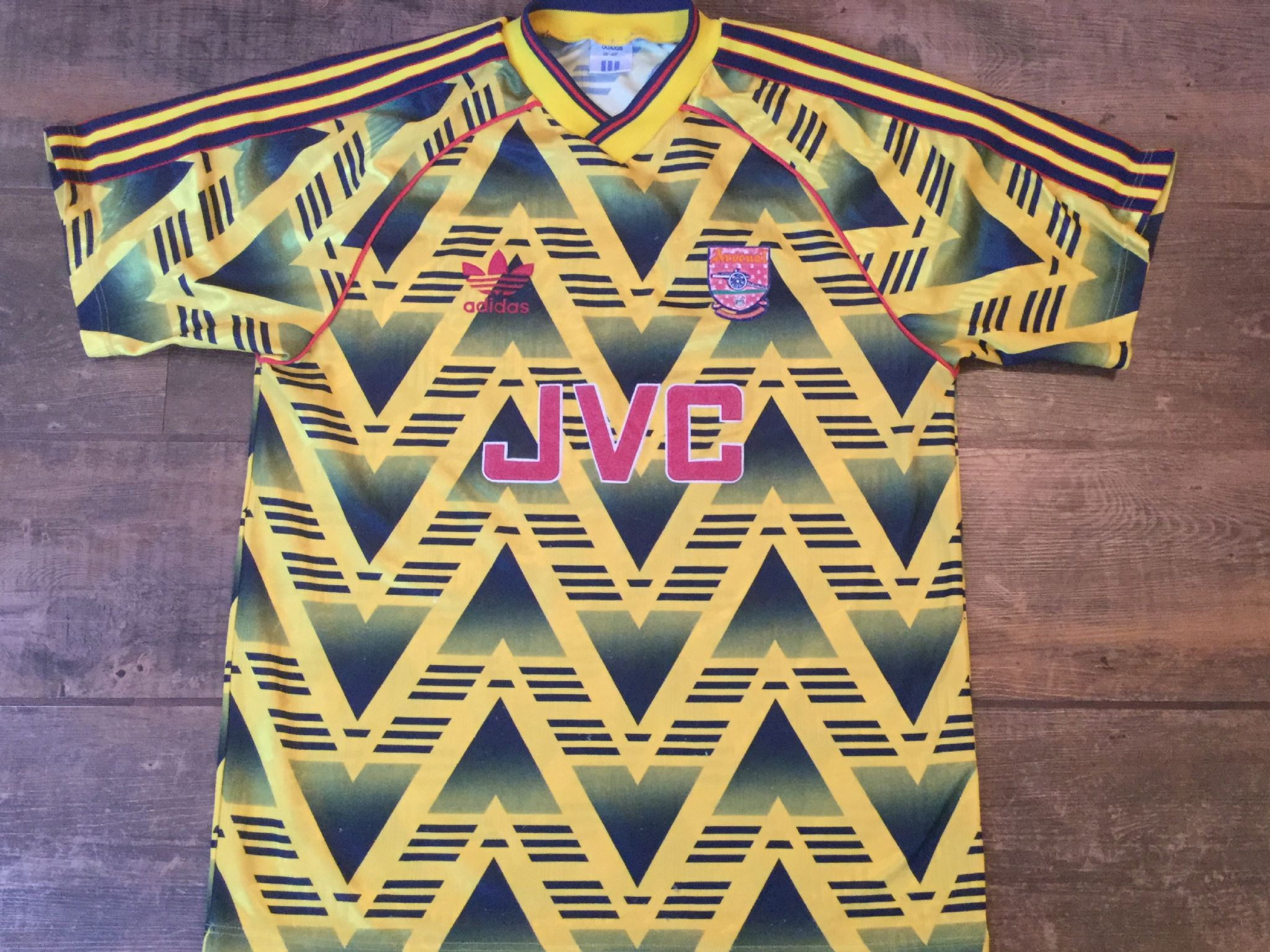5a7451f4f8a 1991 1993 Arsenal Adults Medium Away Football Shirt Bruised Banana