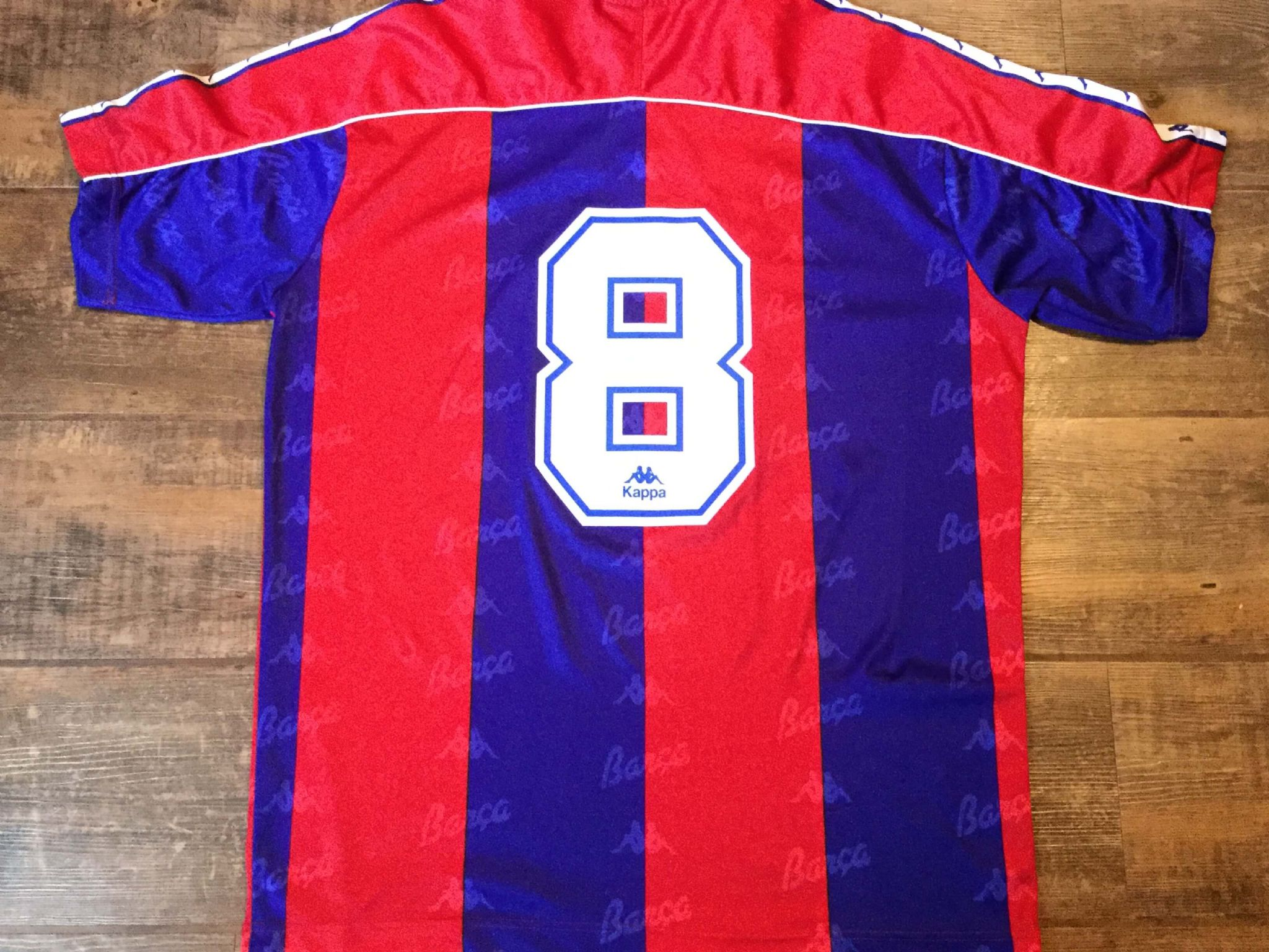 252b42283 1992 1995 Barcelona No 8 Stoichkov Home Football Shirt Adults XL. £99.99.  Out of stock