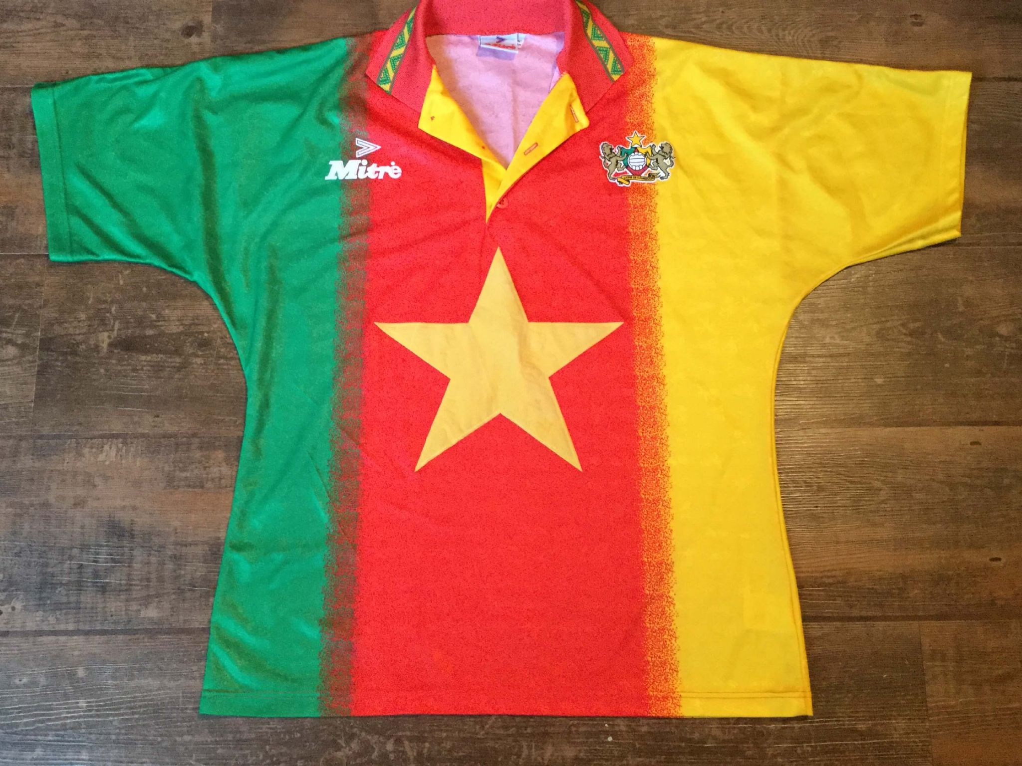 e7a81efb8 1994 1995 Cameroon Home Football Shirt Adults Large. £54.99