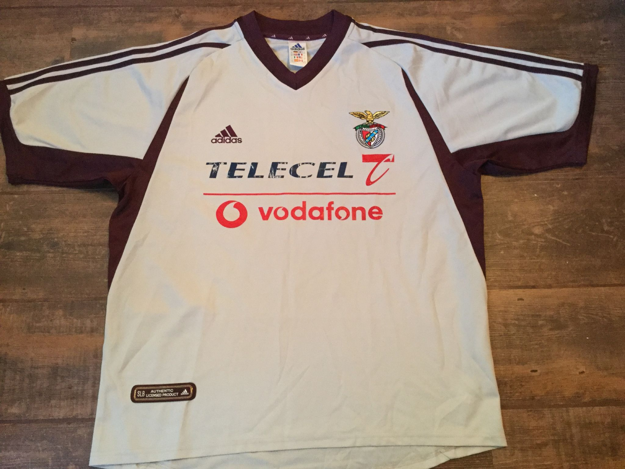 check out 64704 73b6b Global Classic Football Shirts   2001 Benfica Vintage Old ...