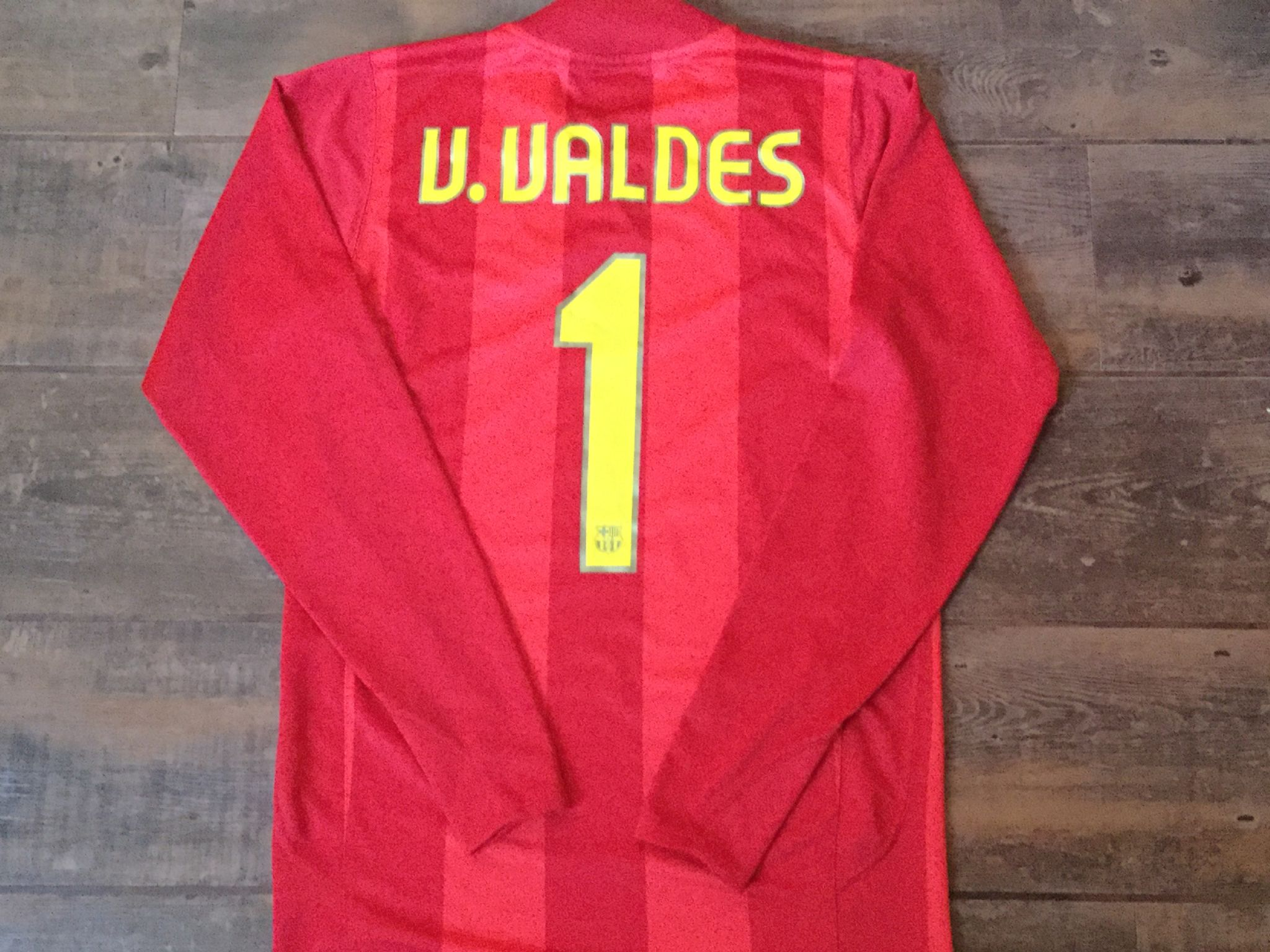 3c03decef 2007 2008 Barcelona Valdes Player Issue Camp Nou Goalkeepers Football Shirt  Adults Small