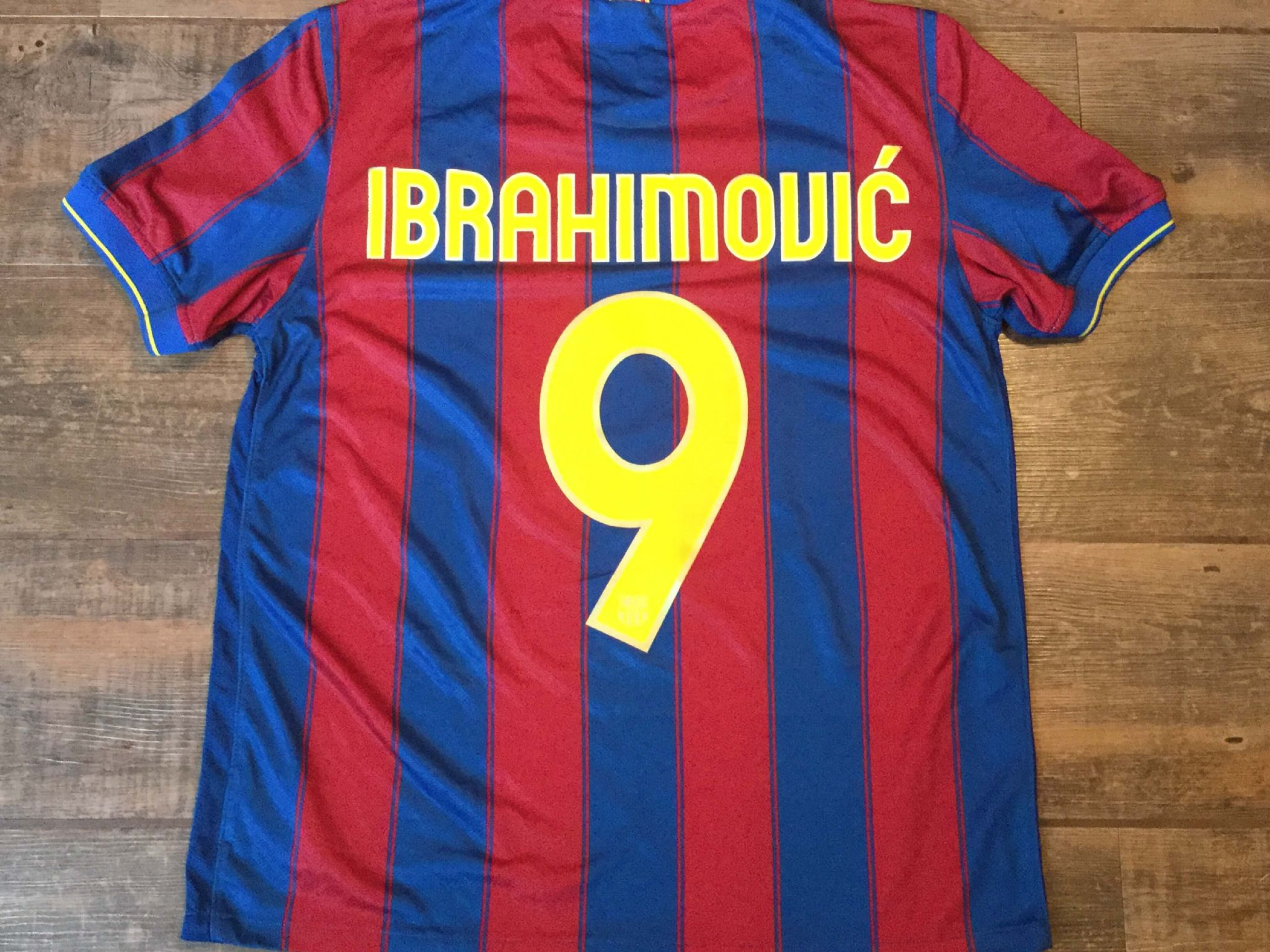 best service 0b686 bc48b 2009 2010 Barcelona Ibrahimovic Adults XL Classic Football ...