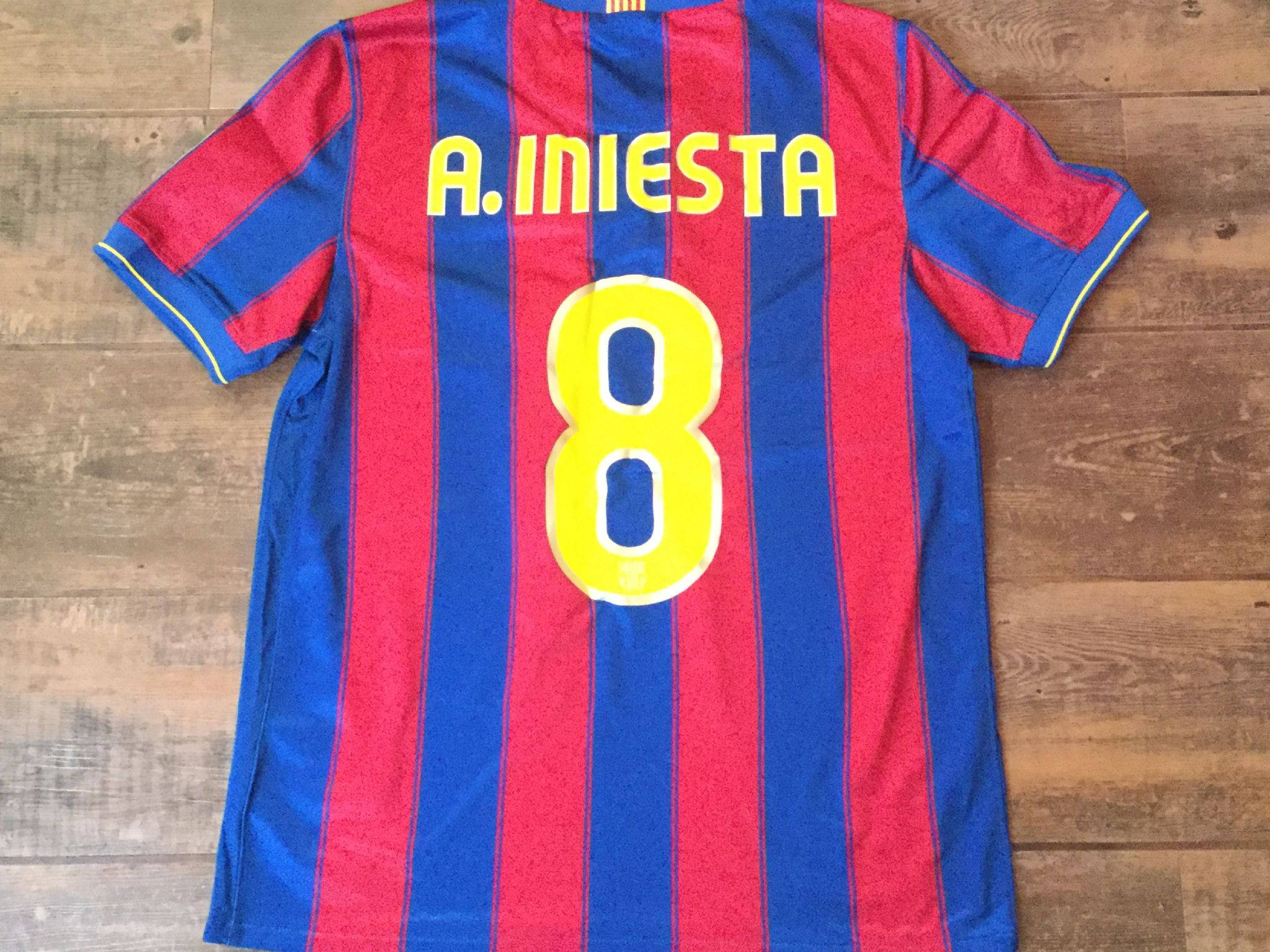faa9b1e08 2009 2010 Barcelona Iniesta Football Shirt Adults Medium