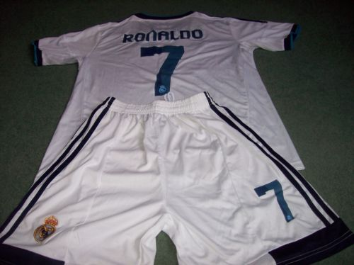 2012 2013 Real Madrid BNWT Ronaldo Football Shirt Shorts Medium CR7 Camiseta